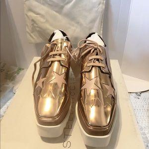 Elyse platform shoes (Stella McCartney)
